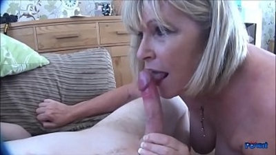 Alisha Rydes A Cheeky Blowjob