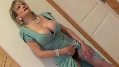 Lady sonia an english housewifes visitor