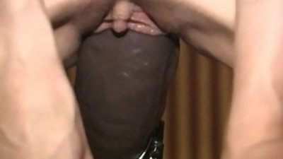 Busty amateur blonde gets fucked non stop by a brutal dildo machine