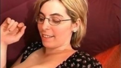 Blonde amateur MILF shows her big boobs and wet