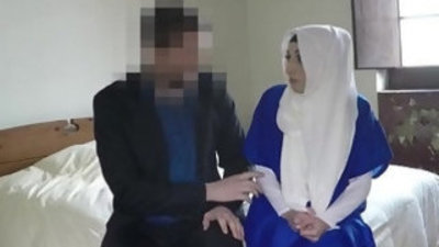 Ethnic muslim babe gets cunt fucked for hotel room